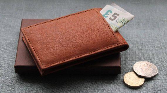 Ý nghĩa của việc tặng ví – lựa chọn ví như thế nào ?